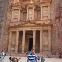 Desde el Tesoro del Faraón en Petra