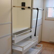 Kleiderlift für hohe Räume - zum Verstauen der Garderobe