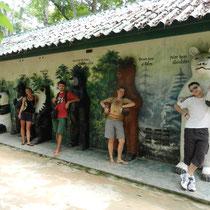 A cote de Tat Sae, il y a un centre de conservation d'ours...