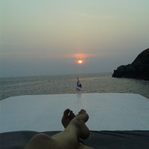 Petit coucher de soleil sur le toit du bateau.