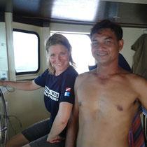 Le capitaine du bateau, un homme incroyable, me laisse conduire... tout en gardant un oeil bien sûr!