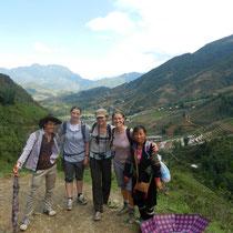 Notre joyeuse equipe: Show, Gilberte, Chloe, Mathilde et Su