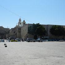 Place de la creche avec la basilique de la Nativite