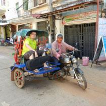 Fin du voyage au Laos... nous partons prendre le bus puis le train pour Bangkok