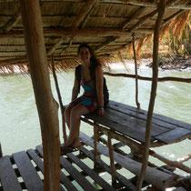 Ma cousine Maïlys sur la mangrove