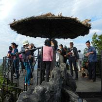 les touristes Vietnamiens. plus bruyant que des enfants dans une cours d'ecole