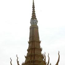 la fleche du palais royal et ses 59m de haut