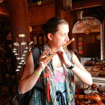Chloe s'achete une flute