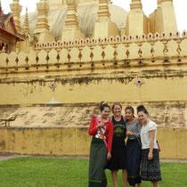 Et bien sur petite photo avec les asiatiques qui sont toujours heureuses de faire une photo avec nous!