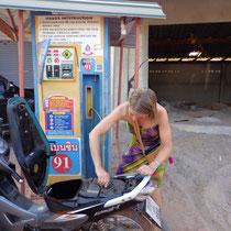 Les stations essences... primaires!
