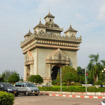 """""""L'arc de triomphe"""" de Vientiane"""