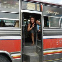 Bus pour la frontiere... oui, ca roule bien!!