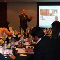 Interessierte Hotelmanager beim Training in Dubai