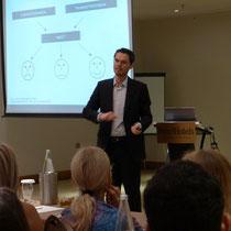 Alexander Fritsch erklärt das Erwartungsmodell