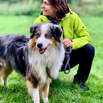 Die unterschiedlichsten Hunderassen finden bei den Ausbildungen und Workshops zur Ruhe.