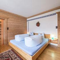 Schlafzimmer der Ferienwohnung Jutta 1 in Kaltenbach im Zillertal