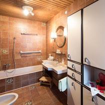 Badzimmer der Ferienwohnung Jutta 1 in Kaltenbach im Zillertal