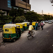 Auto rickshaw queue