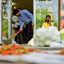 Fruit Shop - Defence Colony Market