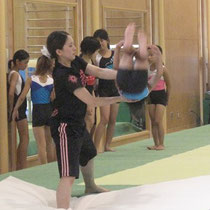 本物の床競技の床で練習しています☆