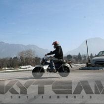 Skyteam T-Rex 125 mit Fahrer