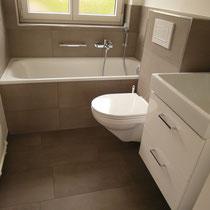 Gäste-WC nach Baumeister- und Plattenarbeiten