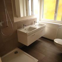 Badezimmer nach Gipser- und Plattenarbeiten