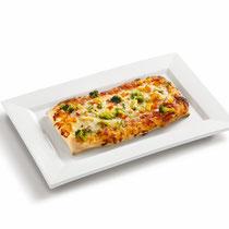 knuspriger Boden, Tomatensoße, Mozzarella, Paprika, Mais, Broccoli, aromatische Gewürze