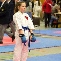 Louisa holte nicht nur Silber im Kata Einzel, sonder startete auch erstmalig im Kumite!