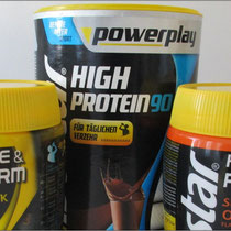 'Hydrate & Perform' und 'Powerplay High Protein' von Isostar im Kurztest.