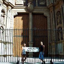 Frieda und Conny vor der Catedral La Seu in Palma de Mallorca