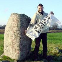 Hannes Hirsch, Kalevistein auf Ödland (der größte Runenstein mit der längsten überlieferten Skaldenstrophe)