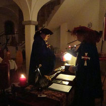 Übergabe der Burgschlüssel an den Burghauptmann