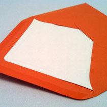 Umschlag in der Farbe MANDARIN mit Seidenpapier gefüttert