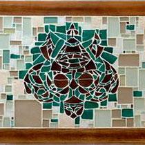 """Table basse intérieur """"Tatou""""  (disponible)  Faïence, verre opaque, émaux de Briare  1mx0.5m"""