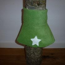 Halswärmer: grün / Stern gebrochenes weiss