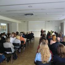 Eröffnung der Feier durch die stellvertretende Schulleiterin Frau Lörcher