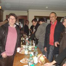 un chaleureux pot organisé à la fin de la seance du vendredi 30 novembre 2012 à lyon , avec les pratiquants de M.Robert Dalessandro, et M. Fournier Jean marc à la photo