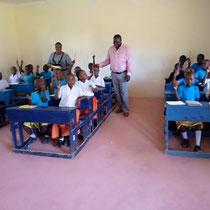 Ein neues Klassenzimmer im zweiten Schulgebäude