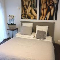 Schlafzimmer mit Arte Pura Leinen Kissen