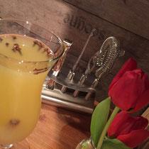 Rezept Cocktail Tropischer Winter mit Honig und Cocktailglas von Pulsiva