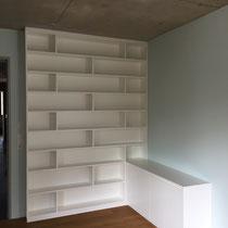 Bücherregal MDF lackiert