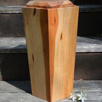 Stilvolle Urne aus Apfelbaum fünfeckig, geölt, 3l, (nicht mehr verfügbar)
