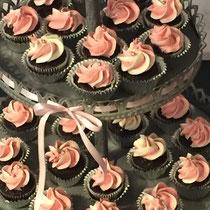 Minicupcakes auf Etagère