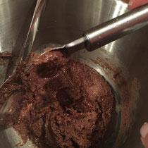 selbstgemachte Nutella Pralinen mit Neapolitaner Waffeln