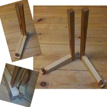 ご両親への記念の額を立てる、額受けのご依頼をいただきました。ヒンジも木製で一体とし、直線をベースにシンプルに仕上げました。