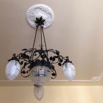 Il lampadario della camera romantica