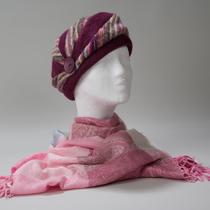 Hermanstad, warme Mütze aus schräg zulaufenden Teilen, sehr elegant