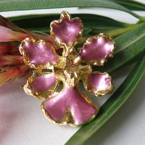 4. Винтажная американская брошь Орхидея. Ювелирный сплав, эмали. Размер 5см. Цена 8$