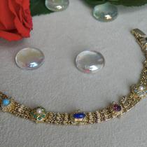 452. Винтажный браслет от лакшери бренда . Ювелирный сплав, декор кабошонами, кристаллами. Длина 18см . Браслет маркирован, конец 50х, прекрасная сохранность, смотрится на руке очень красиво. Цена 100$